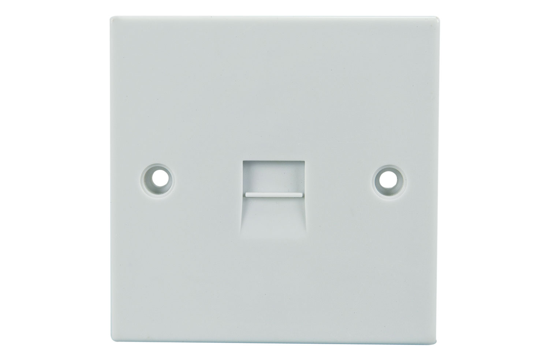TL33 Single flush master socket - blister